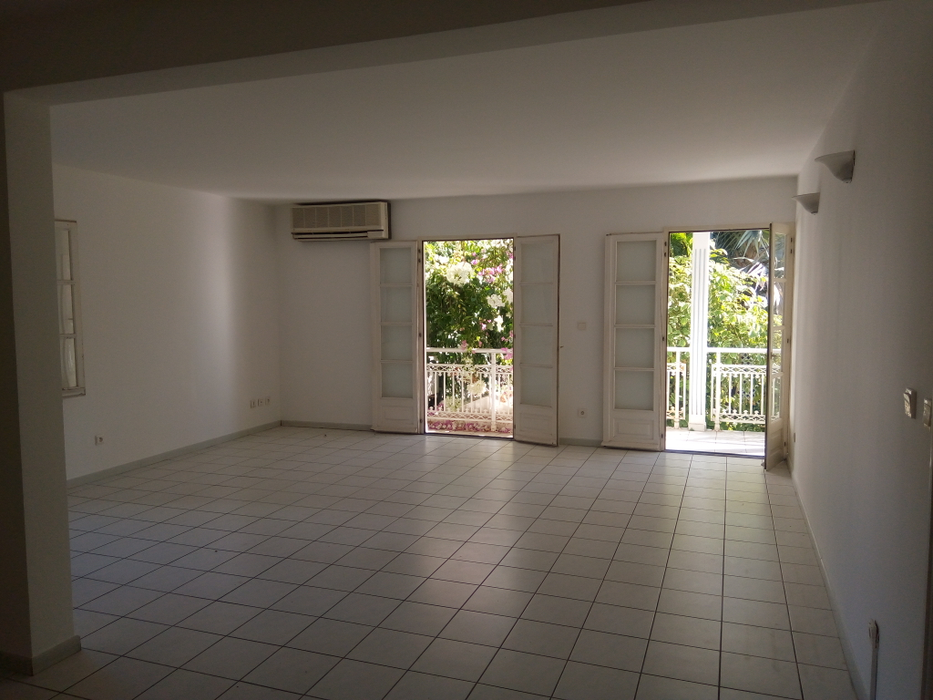 Appartement - SAINT DENIS