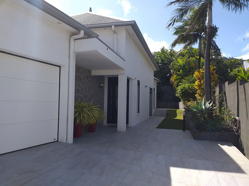 Maison-Villa - SAINT JOSEPH